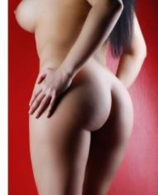 Courtney Escort Agency Manchester Bolton Wigan Warrington Naked From Rear